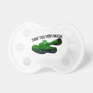El tanque usted mucho chupete de bebé
