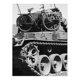 El tanque & vehículos militares tarjeta postal