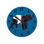 El Tapir quiere el reloj de pared de Hugges
