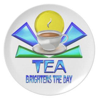 El té aclara el día plato