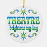El teatro aclara ornamentos de reyes magos