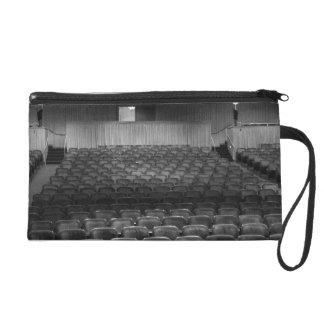 El teatro asienta blanco negro
