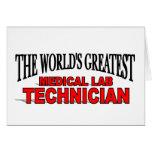 El técnico del laboratorio médico más grande del m tarjetas