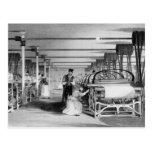 El tejer del telar de poder, grabado por J. Tarjetas Postales