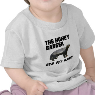 El tejón de miel comió a mi bebé camiseta