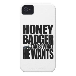 El tejón de miel toma lo que él quiere iPhone 4 Case-Mate protectores