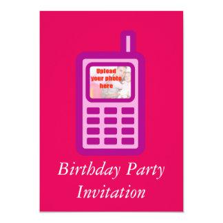 El teléfono celular de la invitación de la fiesta