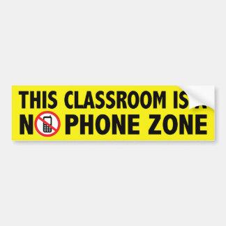 El teléfono libera la sala de clase etiqueta de parachoque