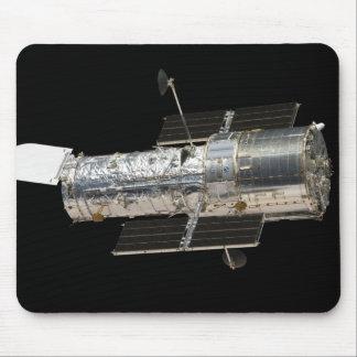 El telescopio espacial de Hubble Tapete De Ratones