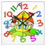El tema colorido de la casa embroma el reloj de