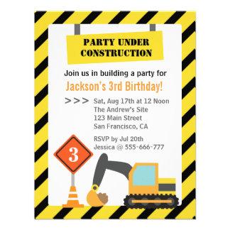 El tema de la construcción del excavador embroma a invitaciones personales