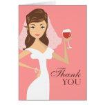 El tema moderno del vino de la novia le agradece c felicitaciones