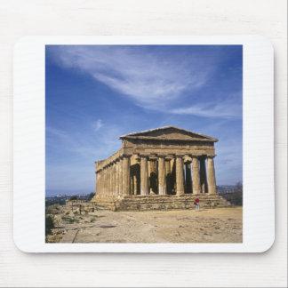 El templo de Concordia en Agrigento Italia Alfombrilla De Raton