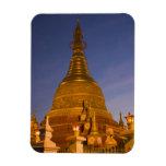 El templo de la lata de Shwe Myin, oscuridad, hace Imanes