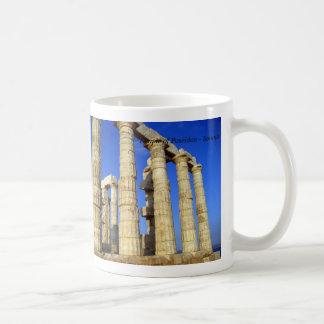 El templo de Poseidon en Sounio Taza Básica Blanca
