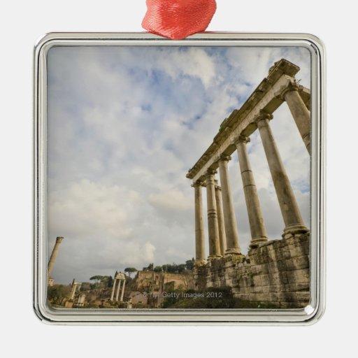 El templo de Saturn es el más viejo del romano Ornamento De Navidad