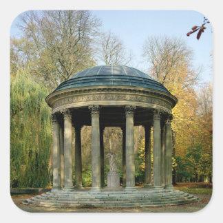 El templo del amor en el Parc du Petit Pegatina Cuadrada