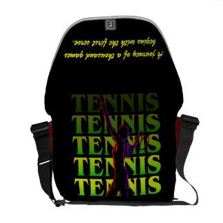El tenis de las mujeres de la bolsa de mensajero 1 bolsas de mensajería