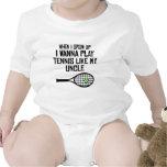El tenis del juego tiene gusto de mi tío traje de bebé