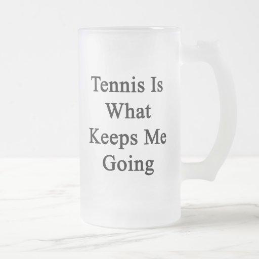 El tenis es qué me guarda el ir taza de café