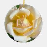El terciopelo se ruboriza color de rosa ornamento para arbol de navidad