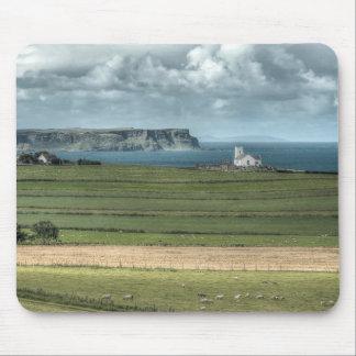 El terraplén costero de Antrim del condado, Alfombrillas De Raton