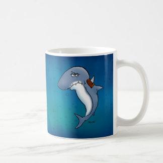 El tiburón va a necesitar una capa más grande taza