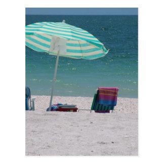El tiempo de la playa está cerca tarjetas postales