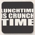 El tiempo del almuerzo es tiempo del crujido posavasos de bebida