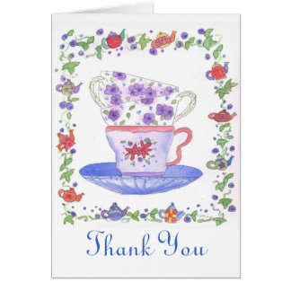 El tiempo del té de la pila de la taza de té le tarjeta pequeña