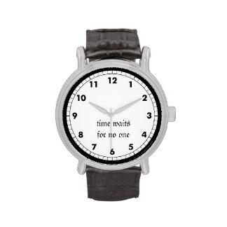El tiempo espera nadie relojes de pulsera