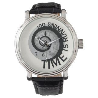El tiempo está corriendo hacia fuera relojes de mano