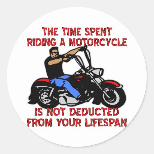 El tiempo pasado montando una motocicleta no se etiqueta redonda