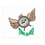 El tiempo vuela el juego de palabra del despertado postales