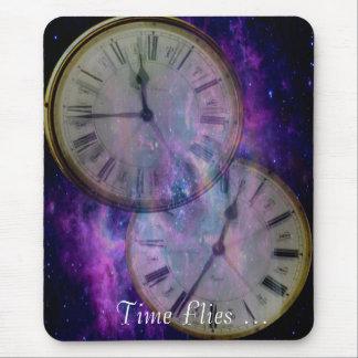 El tiempo vuela… mouse pad
