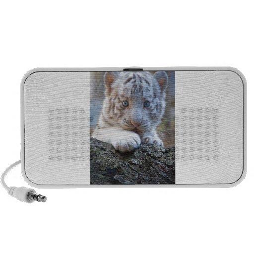 El tigre Cub blanco es lamedura de la pata buena Altavoz De Viajar