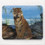El tigre de Bengala poderoso Alfombrilla De Ratones