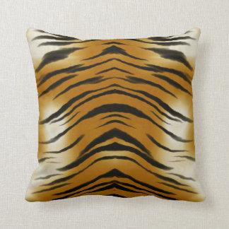 El tigre de los Arty raya el amortiguador del gato Cojín