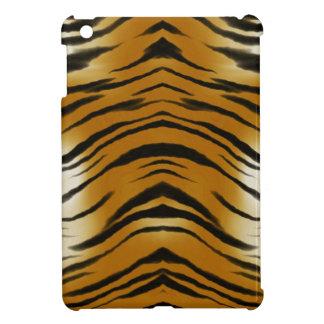 El tigre de los Arty raya el iPad del gato grande