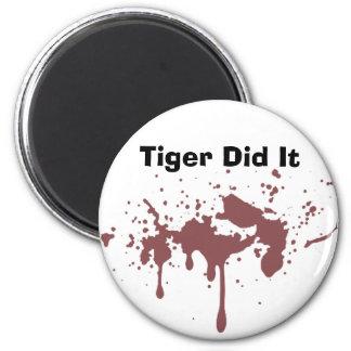 El tigre lo hizo imanes de nevera