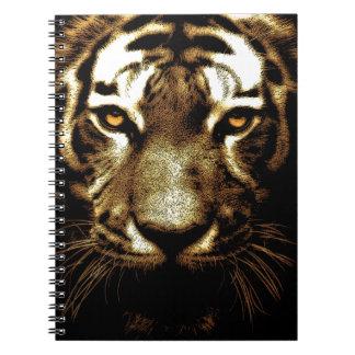 El tigre observa las fotos del arte del animal libros de apuntes