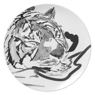 El tigre tranquilo plato de comida