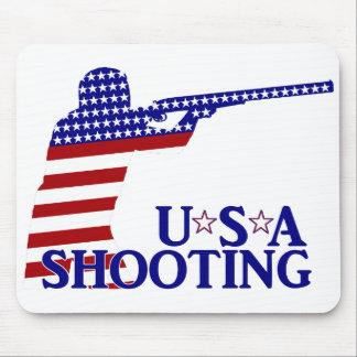 El tirar de los E E U U rifle blanco y azul rojo Alfombrillas De Ratón