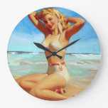 El tomar el sol en el Pin de la playa para arriba Reloj De Pared