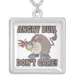 el toro enojado no cuida la parodia divertida del  collar personalizado