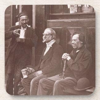 El trabajador de la pared, 1876-77 (woodburytype) posavasos de bebida