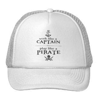 El trabajo como un capitán, juego tiene gusto de gorros bordados