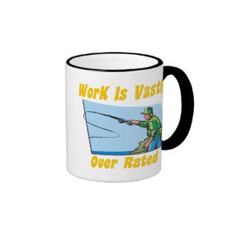 El trabajo está sumamente sobre la taza