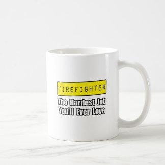 El trabajo más duro del bombero… que usted amará n taza básica blanca