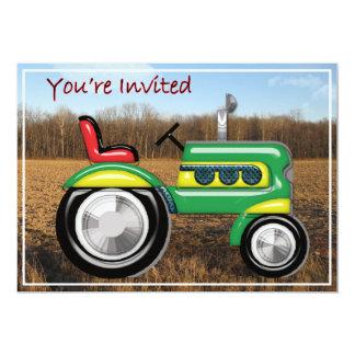 El tractor fabuloso en el campo invita invitación